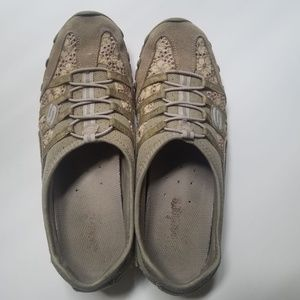 Skechers shoes - Size 7